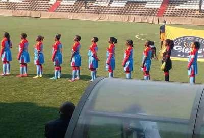 Léopards foot  féminin _photo des droits tiers